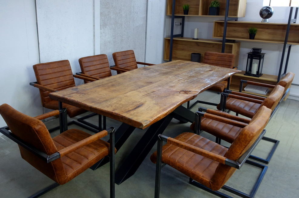 Massivt Egetrsbord. Trendy Perfect Rustikt Spisebord I Massive ...